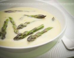 Zupa krem ze szparagów z tymiankiem