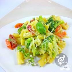 rigatoni z suszonymi pomidorami i brokułem – zobacz ich smak