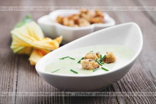 Zupa chłodnik mleczno selerowy