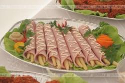 Szparagi z szynką i serem fetą