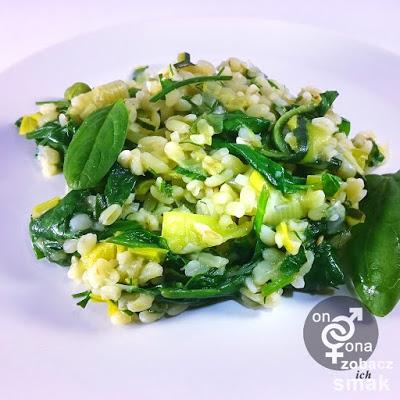 zielony pilaw z bulguru i szpinaku – zobacz ich smak