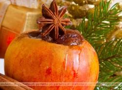 Pieczone jabłka z dżemem wiśniowym