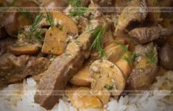 Smażona wołowina z pieczarkami