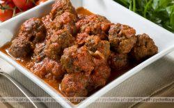 Klopsiki w ostrym sosie pomidorowym