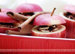 Pieczone jabłka z orzechami pekan