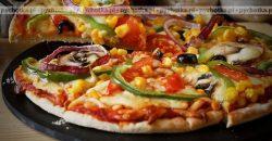 Pizza z kurczakiem i kiełbasą paprykową