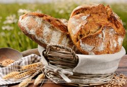 Chleb z orzechami woskimi