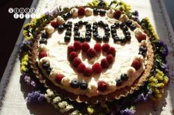 Krucha tarta z kremem śmietankowym i owocami