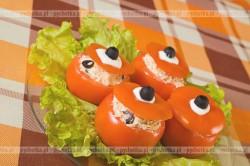 Pomidory faszerowane tunczykiem