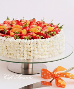 Tort pomarańczowo-truskawkowy