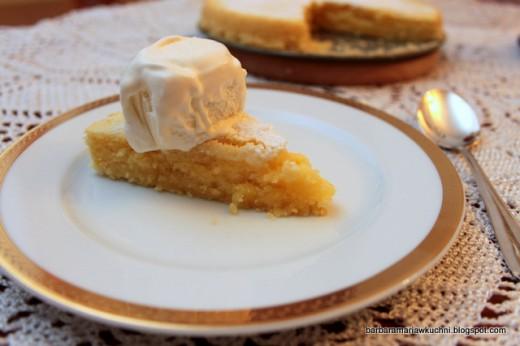 Ciasto cytrynowe z lodami waniliowymi