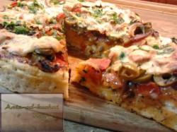 Domowa pizza na gruuubrym cieście