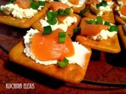 Imprezowe kanapeczki na krakersach