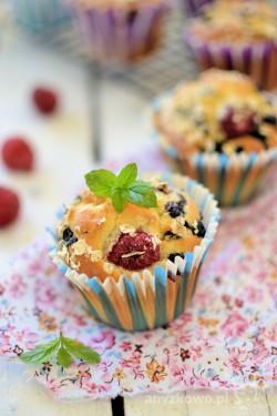 Muffinki z owocami leśnymi