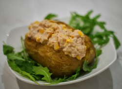 Ziemniaki faszerowane tuńczykiem