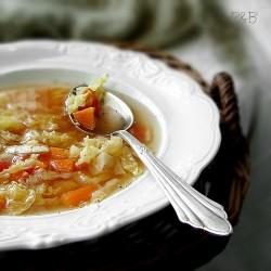 Zupa z kapusty z pomidorami
