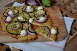 Pizza na kalafiorowym spodzie | POTRAVEL