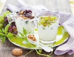Deser mleczy w winogronami