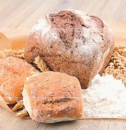 Chleb z rodzynkami.