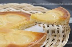 Tarta z jabłkami i kremem serowym