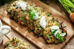 Placuszki z cukini i marchewki – Przepis magazynu Codogara – Przepisy kulinarne