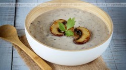 Zupa z mielonych pieczarek